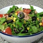 Зеленый салат с тунцом.