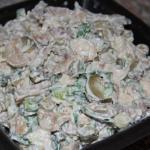 Сытный мясной салатик.