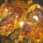 Курица запеченная в горчичном соусе, с запечёным чесноком.