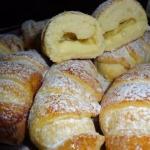 Очень вкусные воздушные булочки, даже похоже на вкус пирожное.