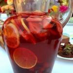 Сангрия (Sangria).  Самый популярный, разве что после пива и вина, напиток в Испании.